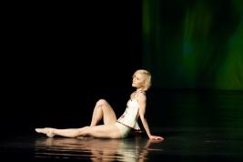Solistka-Polskiego-Baletu-Narodowego-Ewa-Nowak-w-spektaklu-Kreacje-2-Teatr-Narodowy-20100319