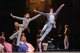 balet;-Chopin;-Teatr-Wielki;-tancerze;-skok