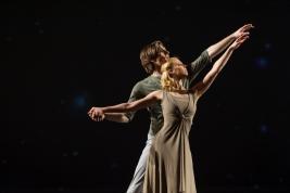 Pierwszy-solista-Polskiego-Baletu-Narodowego-Vladimir-Yaroshenko-i-solistka-Dagmara-Dryl-w-spektaklu