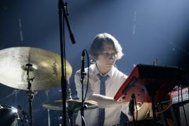 Perkusita-Adam-Wajdzik-podczas-koncertu-Andrzej-Kowalski-Quartet-na-Warsaw-Summer-Jazz-Days-2019-Sto