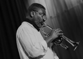 Trebacz-Graham-Haynes-podczas-koncertu-na-Warsaw-Summer-Jazz-Days-2011-Sala-Kongresowa