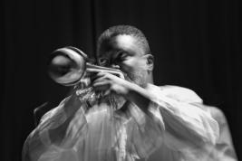 Trębacz-Graham-Haynes-podczas-koncertu-na-Warsaw-Summer-Jazz-Days-2011-Warszawa-Sala-Kongresowa-2