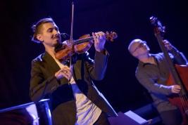 Adam-Baldych-skrzypce-i-Frode-Berg-kontrabas-Jazz-Jamboree-2017-Warszawa-20171103