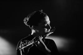 Melanie-De-Biasio-podczas-koncertu-na-Jazz-Jamboree-2019-Stodola-20191026