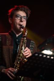 Saksofonista-Kuba-Wiecek-podczas-koncertu-Kuba-Wiecek-Gaweda-Quintet-feat-Ralph-Alessi-na-Jazz-Jamb