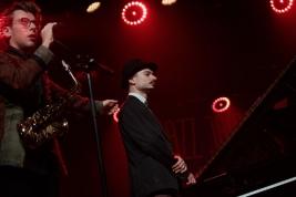 Kuba-Wiecek-saksofon-i-Mateusz-Gaweda-fortepian-podczas-koncertu-Kuba-Wiecek-Gaweda-Quintet-feat-Ra