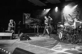 Joey-Calderazzo-Trio-gra-utwory-Kobylinskiego-na-Warsaw-Summer-Jazz-Days-2015-Soho-Factory-Warszawa-