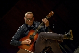 gitarzysta;-Liberty-Ellman;-jazz;-muzyk;-koncert;-Myra-Melford;-Snowy-Egret