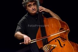 Renaud-Garcia-Fons;-kontrabas;-muzyk;-jazz;-basista;-koncert;-S1;-Warszawa