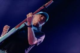 Scott-Henderson-gitara-podczas-koncertu-na-Warsaw-Summer-Jazz-Days-2019-Stodoła-20190706
