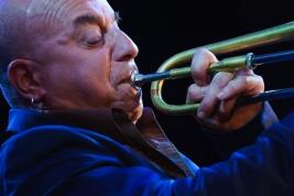 Trebacz-Steven-Bernstein-podczas-koncertu-zespolu-SexMob-w-klubie-Palladium-w-Warszawie-20131007