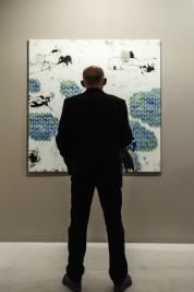 Amator-malarstwa-na-wystawie-Alka-Slona-Why-not-w-galerii-Apteka-w-Warszawie-12092015