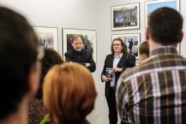 Wernisaz-wystawy-fotografii-Chrisa-Niedenthala-w-galerii-Obserwacja-Warszawa-20130404