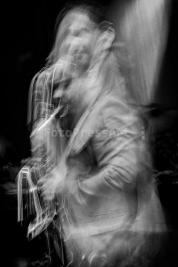 Maciej-Obara-na-scenie-podczas-Warsaw-Summer-Jazz-Days-2011Muzeum-Powstania-Warszawskiego-Wydruk-na-