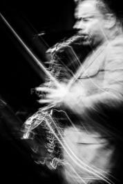 Maciej-Obara-jazz-Warsaw-Summer-Jazz-Days-2011Muzeum-Powstania-Warszawskiego-Wydruk-na-papierze-Hahn