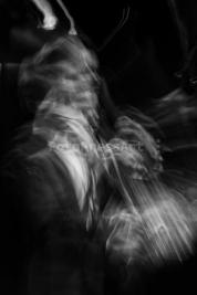 Wojtek-Mozelewski-gra-na-basie-podczas-Warsaw-Summer-Jazz-Days-2011-Wydruk-na-papierze-Hahnemühle-P