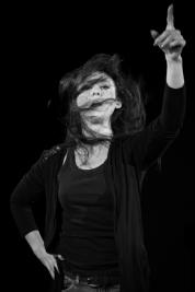 Aktorka-Monika-Chrzastowska-Portret-do-spektaklu-Krolewstwo-Wszechwanny-w-rezyserii-Pawla-Paszty