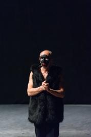 Aktor-Ryszard-Kluge-przed-proba-Krolestwa-Wszechwanny-Hanocha-Levina-Teatr-Zydowski-w-Warszawie-2014