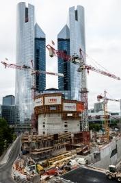 Budowa-wiezowca-na-La-Defense-w-Paryzu