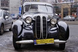 Zabytkowy-samochod-BMW-327-z-roku-1937