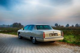 Cadillac-DeVille-1995
