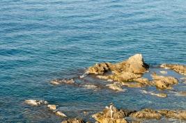 morze;-skaly;-woda;-chlopiec;-brzeg