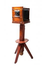 Stary-drewniany-aparat-miechowy-Prawdopodobnie-z-poczatku-20-wieku