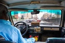 taksowka;-taxi;-samochod;-licznik;-Egipt;-Peugeot;-stary
