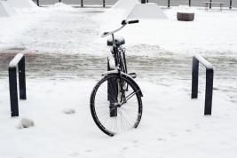 Rower;-Warszawa;-snieg