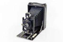 Zabytkowy aparat Ica Dresden