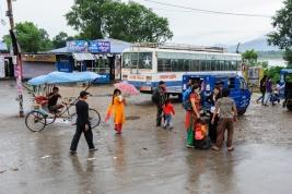 dworzec;-autobusowy;-podrozni;-Nepalczycy;-Nepal;-autobus;-ryksza