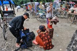 Przystanek-rykszy-w-Nepalu