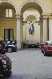 parking;-rzezba;-starozytnosc;-samochody;-Rzym