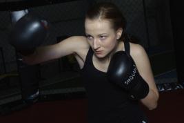 Balerina-Olga-Yaroshenko-w-czasie-treningu-boksu