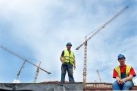 Robotnicy-na-Stadionie-Narodowym-w-Warszawie-podczas-przerwy