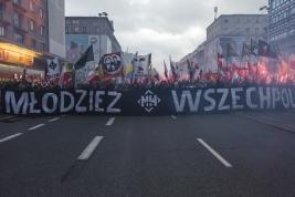 marsz;-demonstracja;-narodowcy;-flagi;-