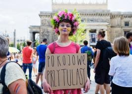 Manifestacja-Polska-Przeciwko-Przemocy-zorganizowana-przez-srodowiska-lewicowe-w-Warszawie-20190727