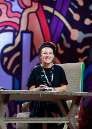 Pisarka-Olga-Torkarczuk-podczas-spotkania-na-ASP-na-25-festiwalu-PolandRock-2019-Kostrzyn-20190803