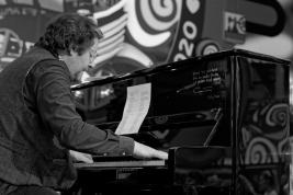 Grzegorz-Turnal-podczas-28-Finalu-Wielkiej-Orkiestry-Światecznej-Pomocy-w-Warszawie-2020-01-12