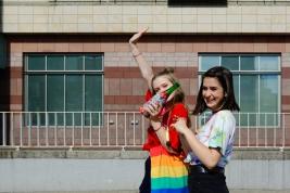 dziewczyny;-nastolatki;-butelka;-Parada-Rownosci;LGBT
