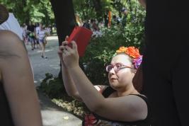 wianuszek;-tecza;-Parada-Rownosci;-selfie