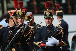 zandarmeria,-mundur,-Francja,-bron,-Paryz,-karabin