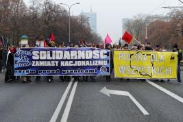 manifestacja;-antyfaszystowska;-demonstranci;-Warszawa;-transparenty