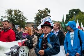 manifestacja;-antyimigracyjna;-marsz;-demonstranci;-Warszawa