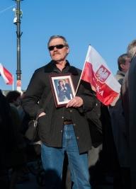flaga,-polska,-Lech-i-Maria-Kaczynscy,-PiS,-5-rocznica-katastrofy-Smolenskiej,-
