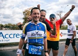Uczestnicy-41-PZU-Maratonu-Warszawskiego-po-zakonczonym-biegu-20190929